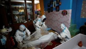 Koronavirüs Endonezyayı alt üst etti, Hindistanı geçtiler! Ülkedeki sanatçılar tabut yapıyor